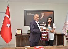 """Elazığ'ın LGS birincisi Sare Yıldız,""""Galatasaray Lisesine gitmek istiyorum"""""""