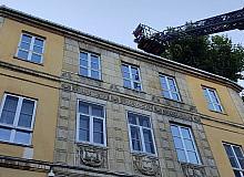 Fransız Konsolosluğuna bağlı Fransız Kreşi'nin çatısında çıkan yangın korkuttu