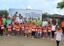 Görele'de çocuklara olta takımı dağıtıldı