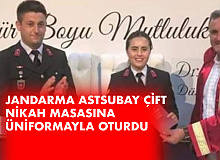 Jandarma Astsubay Çift , Üniformayla Nikah Masasına Oturdu