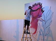 Kuşadası'nda duvarlar sanatla renkleniyor