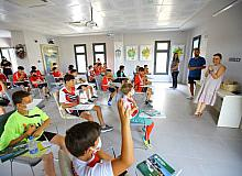 Selçuk'un genç sporcularından İsmail Hakkı Tonguç Tarım Müzesine bağış