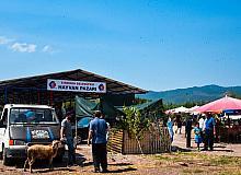 Sındırgı'da yeni kurulan hayvan pazarında arife yoğunluğu yaşandı