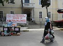 Sinop'ta pazara gelenler için randevusuz aşı merkezi kuruldu