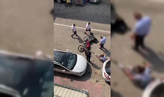 Türkeli'de motorsiklet yayaya çarptı: 2 yaralı
