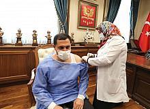 Vali Masatlı 3. doz hatırlatma aşısını yaptırdı