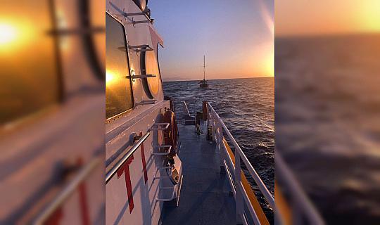 Yunan karasularına sürüklenen tekne kurtarıldı