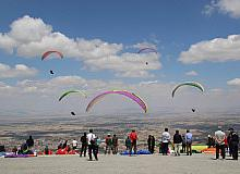 8. Akşehir XC Open Türkiye Yamaç Paraşütü başladı