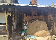 Aslanapa'da ahşap ev yangını korkuttu