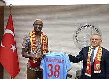 Başkan Büyükkılıç, Kayserispor'un yeni yıldızını ağırladı