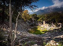 Birçok medeniyete ev sahipliği yapan Phaselis ziyaretçilerini bekliyor
