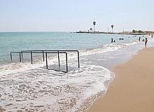 Engelliler, Pompeiopolis Plajından rahatlıkla denize girebilecek