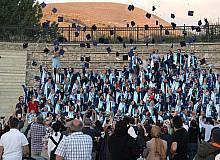 İlahiyat Fakültesinde mezuniyet coşkusu