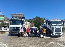 İskilip Belediyesi'nden afet bölgesine araç ve ekip desteği