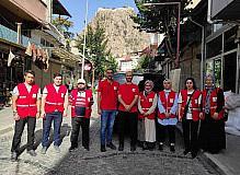 Kızılay Afyonkarahisar Şubesi'nden gönüllüler yangın bölgesinde