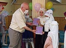 Müftü Köksal, Kur'an kursu öğrencilerine Kur'an-ı Kerim hediye etti