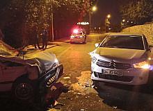 Diyarbakır'da hatalı sollama kazaya sebep oldu: 2'si ağır 4 yaralı