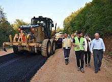 Uzun, grup yollarındaki asfalt çalışmalarını inceledi