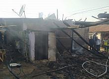 Ahmetli'de ev yangını: 6 keçi telef oldu