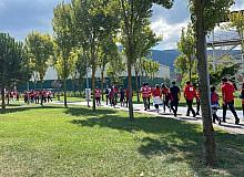 Dünya yürüyüş gününde sağlıklı hayata dikkat çektiler