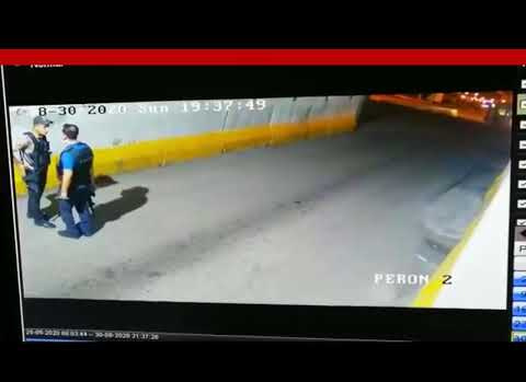 Polis ile Bekçinin Tekme Tokat Kavgası Kameralarda